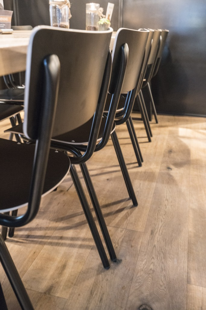 coffee-house-stackable-chair