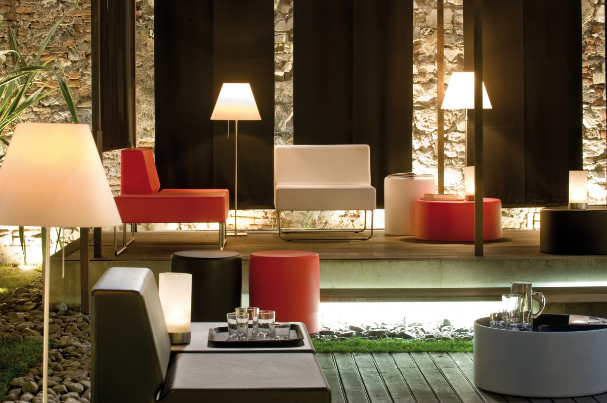 Wow 470 OUTDOOR FURNITURE Hospitality furniture