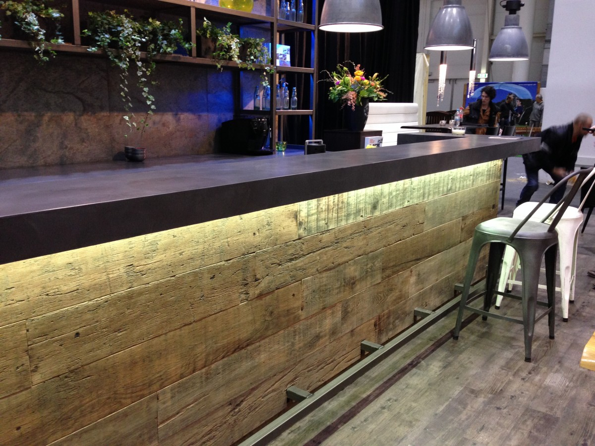 30 - Vintage industrial bar - VARIOUS - Custom made hospitality ...